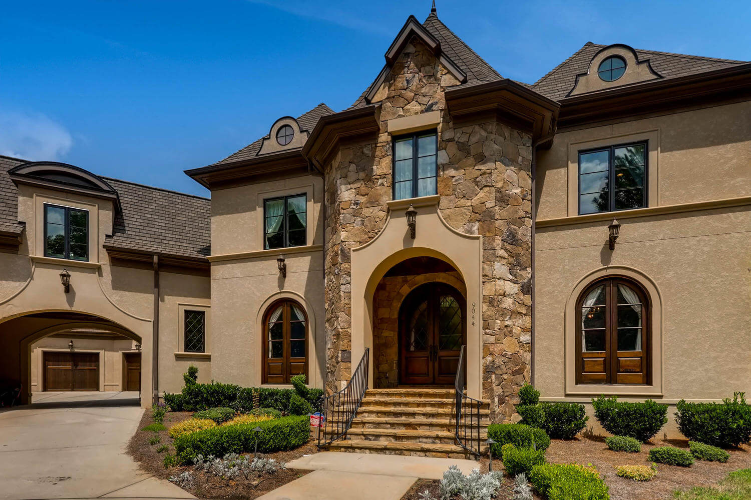 9044 Island Point Rd Charlotte-large-003-2-Exterior Front Entry-1500×1000-72dpi
